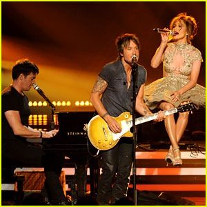 American Idol judges performance.Keith Urban,Harry Connick Jr. And Jennifer Lopez.