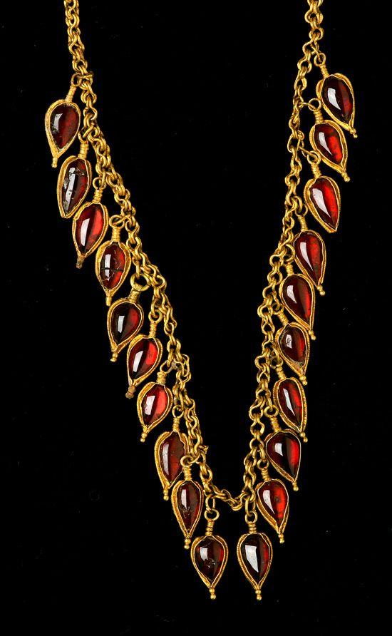 Ancient Greek garnet and gold necklace Hellenistic Greece c