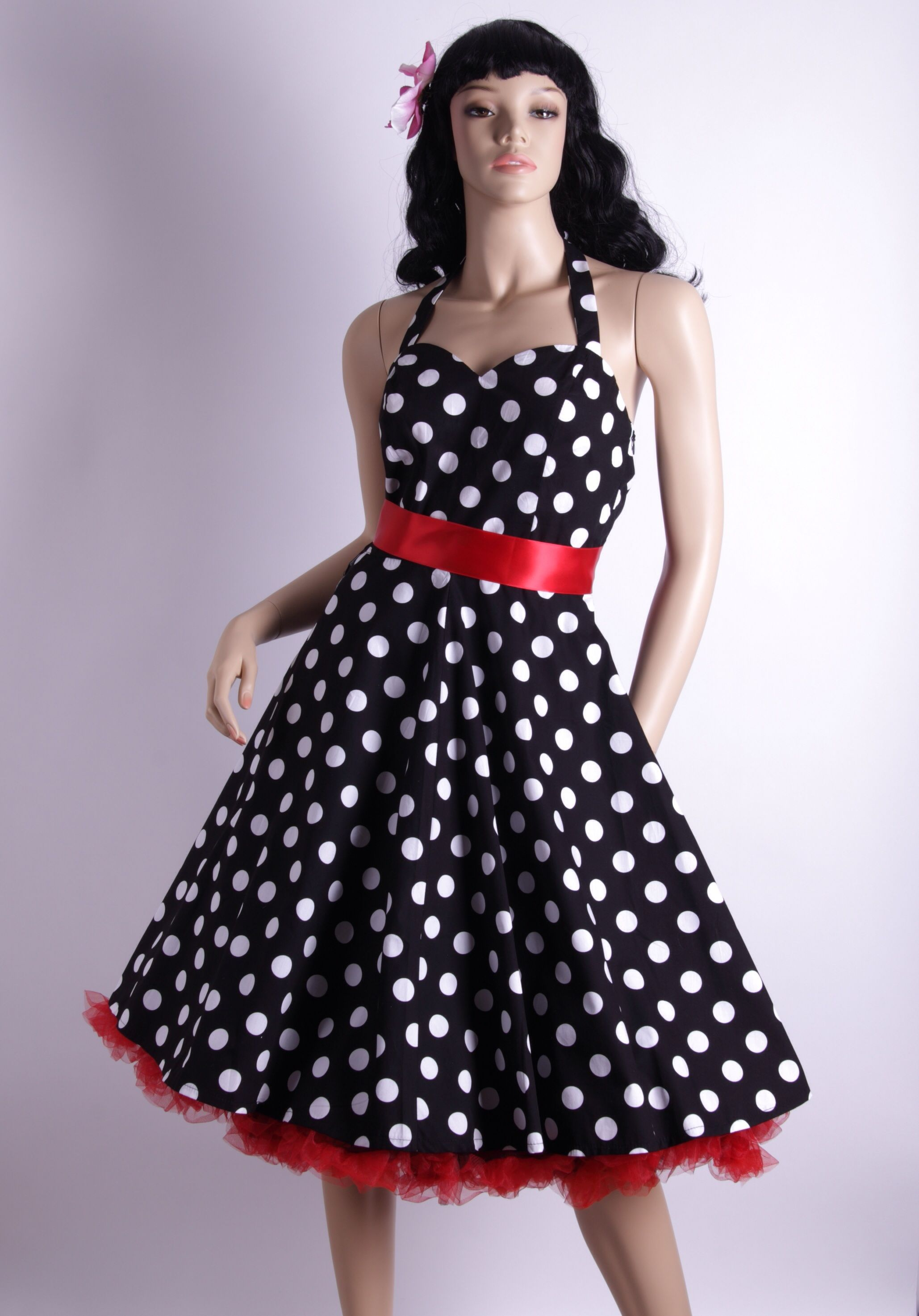 Long black 60s dresslink