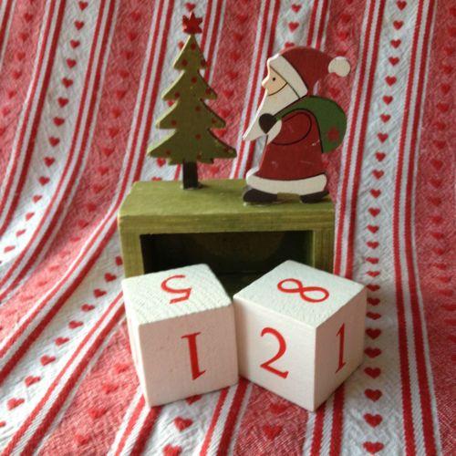 vintage-Noel-Block-Calendar-Christmas-count-Advent-wooden-gift-Sass-Belle