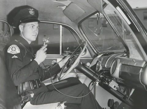 1950 S Los Angeles Police Department Collision Investigator Using Radio Old Police Cars Police Cars Los Angeles Police Department
