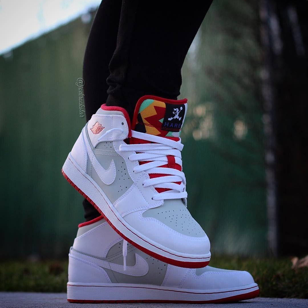 sports shoes eaca3 8b85b Air Jordan 1 WB Bugs Bunny