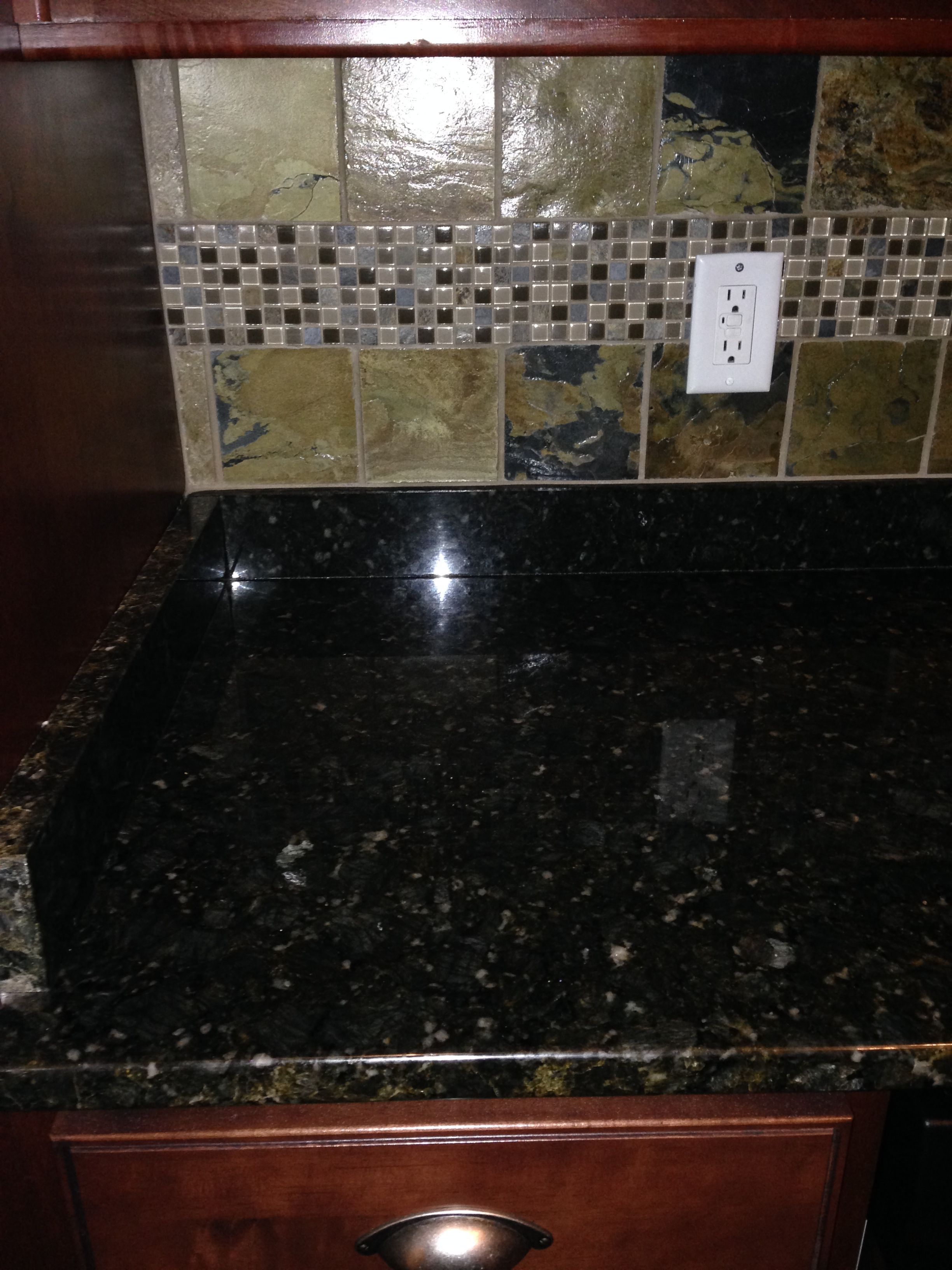 A good shot of our Verde Butterfly Granite Counter tops and our High ...