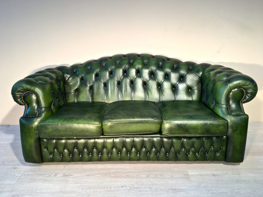 Divano Chester originale Inglese in pelle | Chester Sofas and Chairs ...