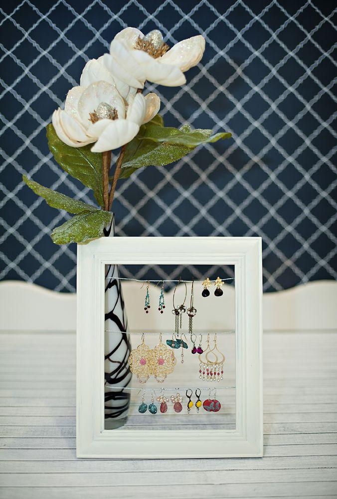 DIY: jewelry frame display | Accesorios y estilos | Pinterest ...