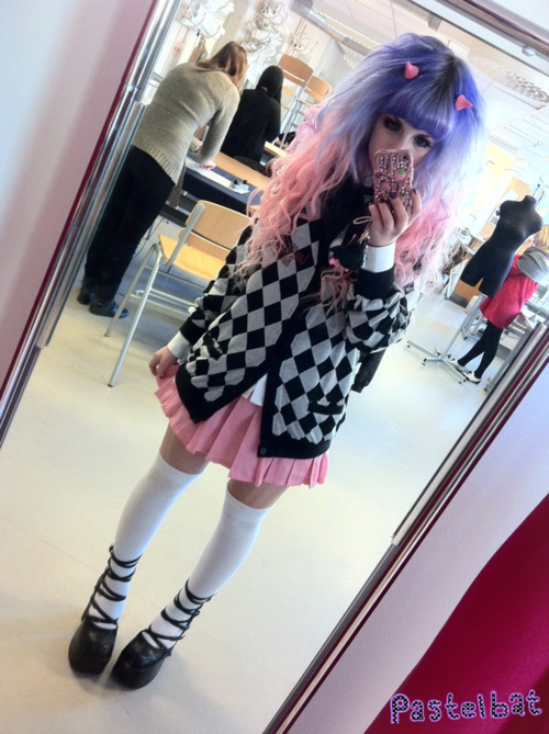 Awesome coord T^T I'm gonna comission a skirt like this, it's such a basic piece I need...
