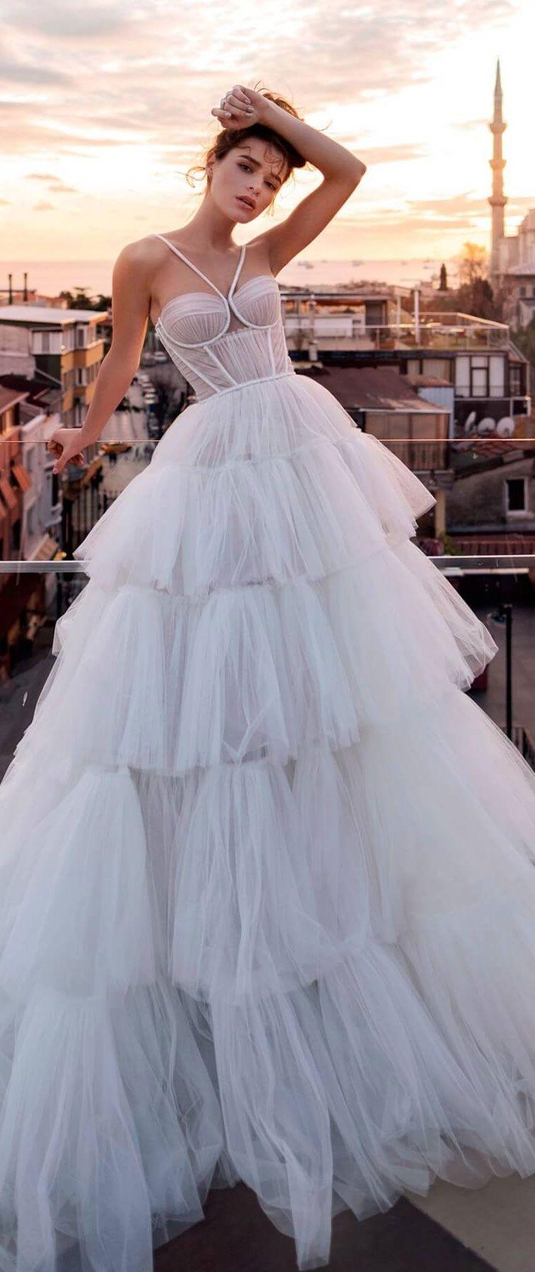 f8c1cfa1380 Sweetheart Neckline Ruffle Skirt Wedding Dress - Gomes Weine AG