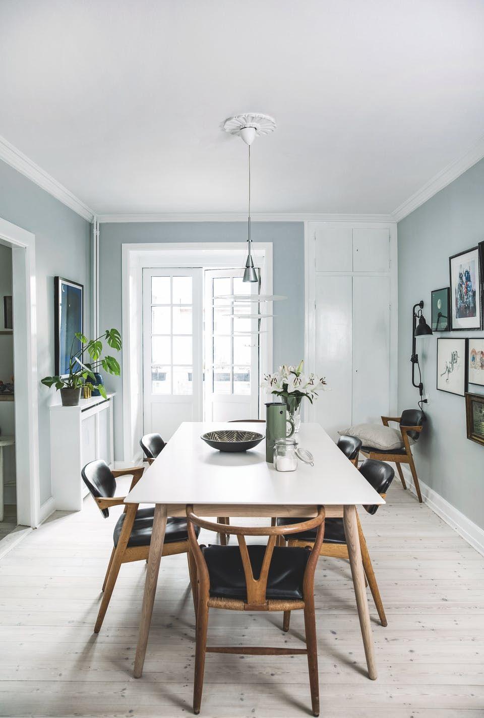 """""""Jeg tror, det eneste nye møbel, vi har købt, er vores spisebord"""" images"""