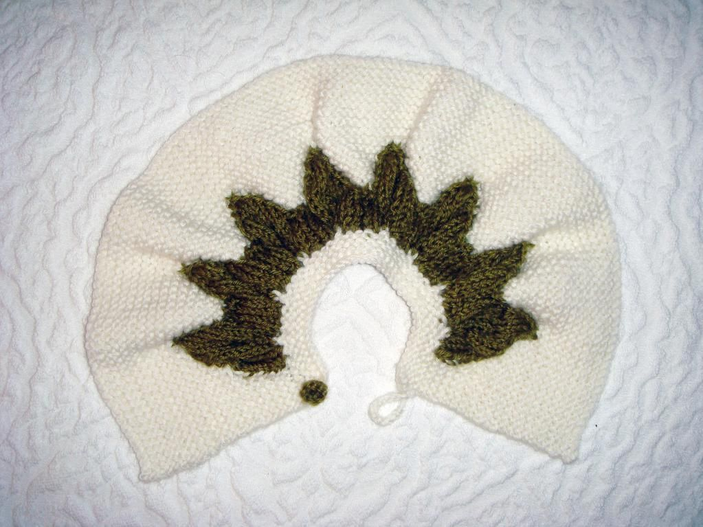 Leaves cape http://www.craftsy.com/pattern/knitting/Clothing/Leaves-cape/22378