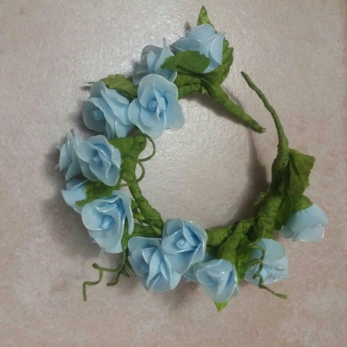 Coroncina di rose con collant e guttaperca
