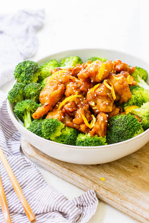 This easy Whole30 Chinese orange chicken is the best takeout fake-out ever. Sometimes you just need some orange chicken in your life, and this version is much healthier and there's no delivery fee! It's also a Paleo orange chicken recipe, which makes it gluten free and made from real ingredients, so you can skip the MSG! #whole30orangechicken #paleoorangechicken #whole30chickenrecipes #chineseorangechicken This easy Whole30 Chinese orange chicken is the best takeout fake-out ever. Sometimes you #chineseorangechicken