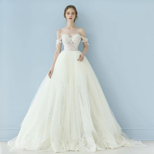 Cinderella. #GailaLahav #wedding #Seoul @mariebelle_official ...