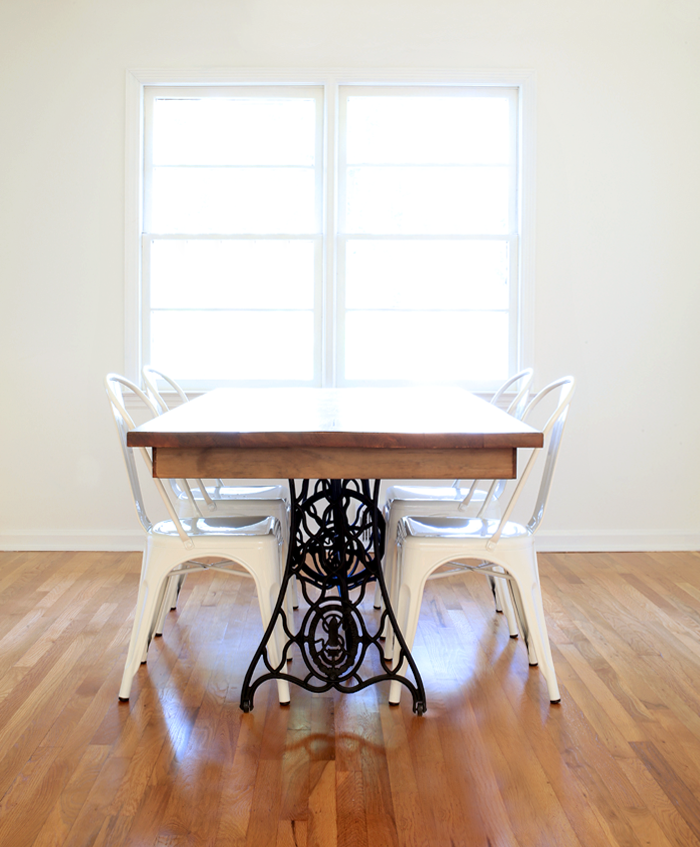 Charming Dining Room Table Made From Old Singer Sewing Machine