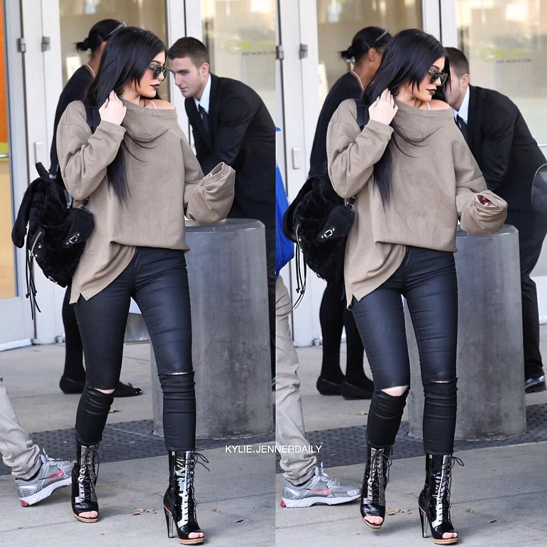 """""""Kylie leaving the mall today.  #KylieJenner"""""""