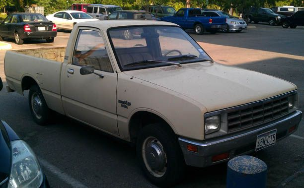 I Loved This Pick Up Cried When I Hit A Semi Truck Spare Tire And Twisted The Frame This Cutey Got 50 Mpg I Really Miss My Cla Mini Trucks My Ride