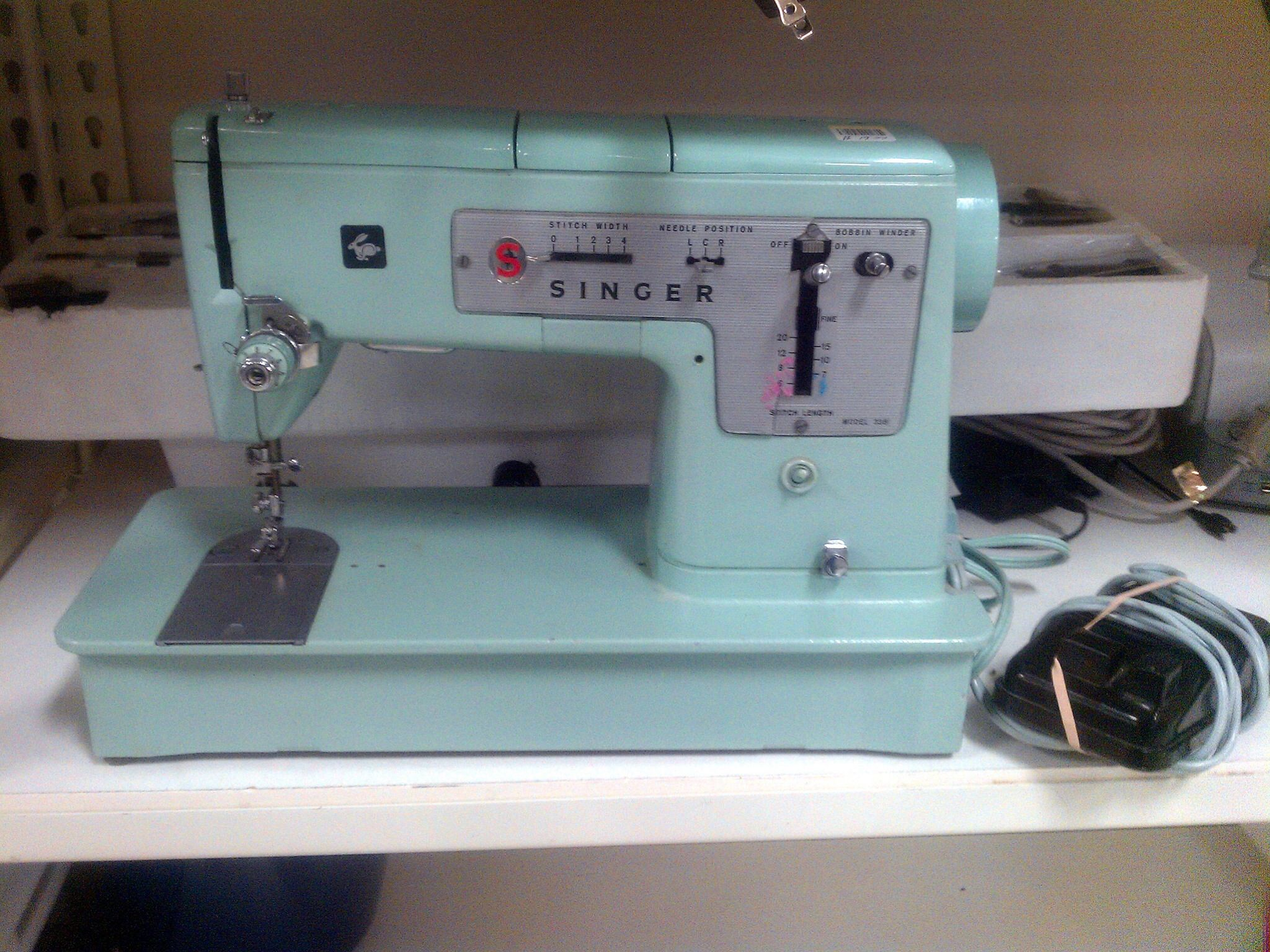 Vintage Singer 338, pretty green and a well made solid machine!!