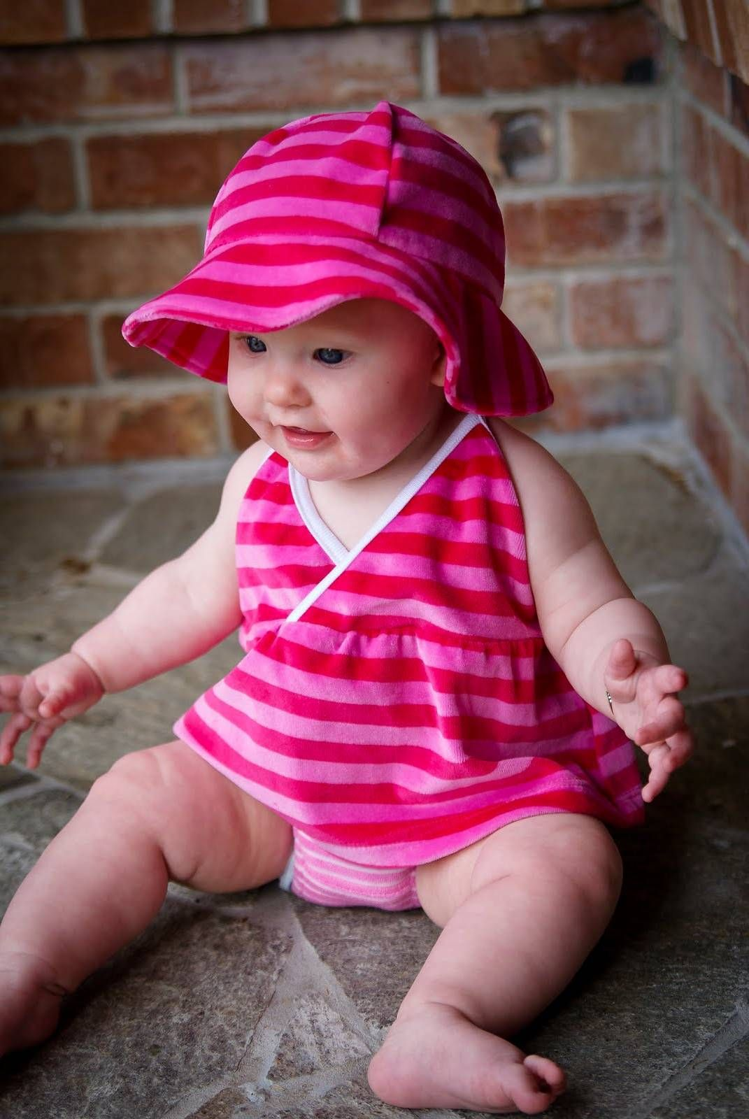 baby girl wearing pink dress and blue eyes 314x470 cute baby girl