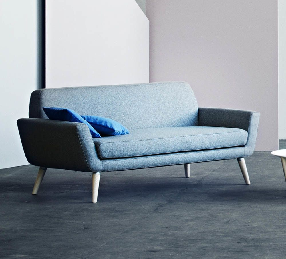 With Its Small Comfy And Compact Form Scope Offers A Modern Relaxed Roach To Sofa Design The Is Elegant From All Sides Can Be