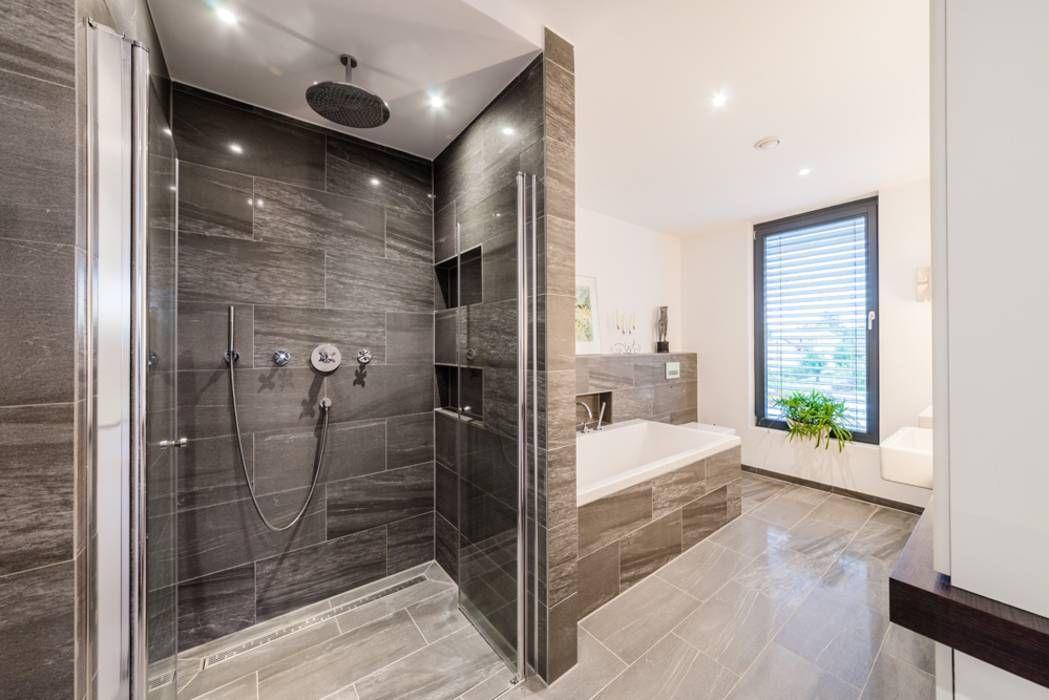opEnd house - Einfamilienhaus in Lorsch: moderne Badezimmer von Helwig Haus und Raum Planungs GmbH