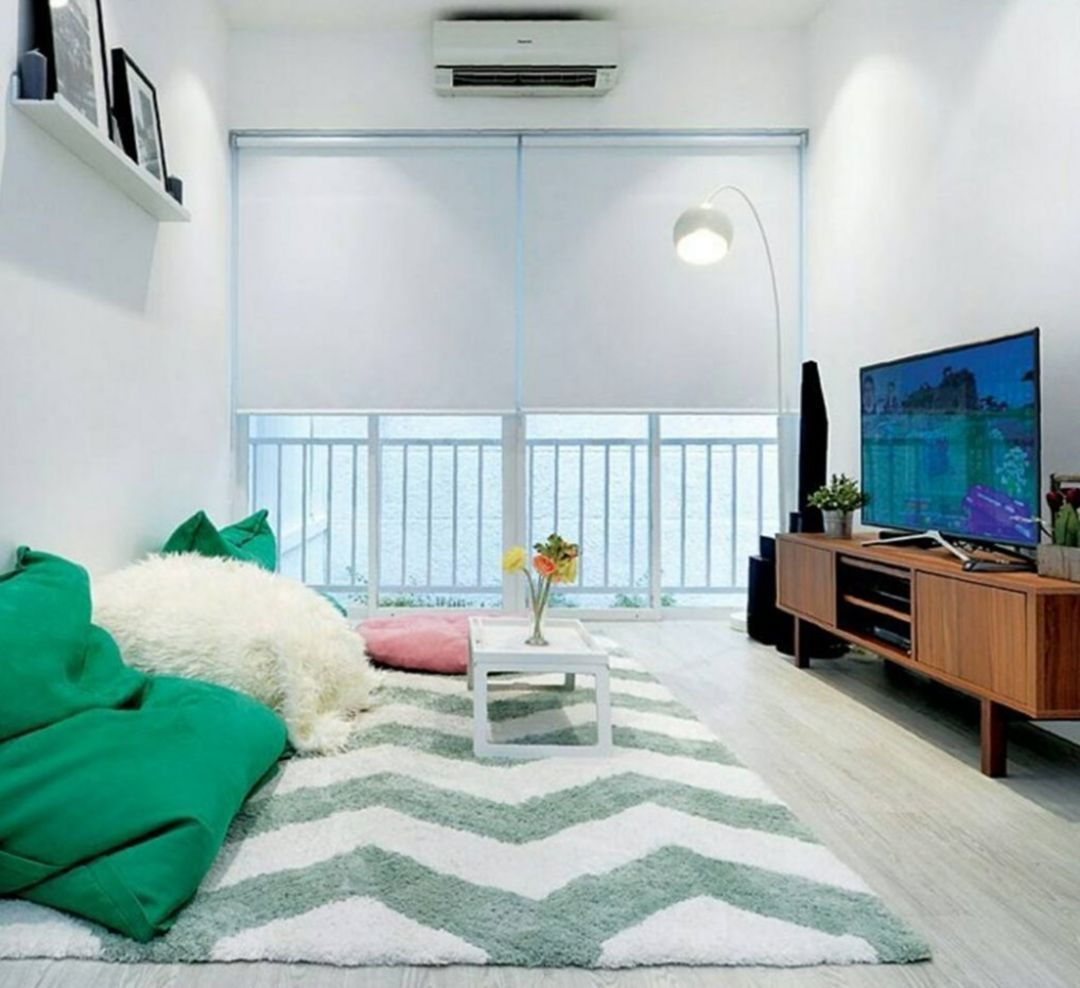 The Family Room Doesn T Have To Have A Sofa You Can Replace It With Thick Fur Rugs Comp Living Room Without Sofa Minimalist Living Room Family Room Decorating