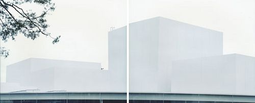 Bildraum S 5 by Walter Niedermayr showing another great juxtaposition of 2 views of Sanaa's Museof of the 21st Century in Kanagawa, Japan. The work of Niedermayr goes so well together with Sanaa's minimal aesthetic.