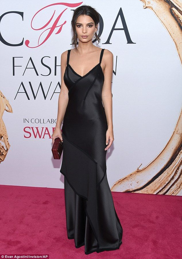 1d2d3dd1f274da Red carpet ready: The supermodel sizzled in a lingerie-esque gown made of  silky black mate.