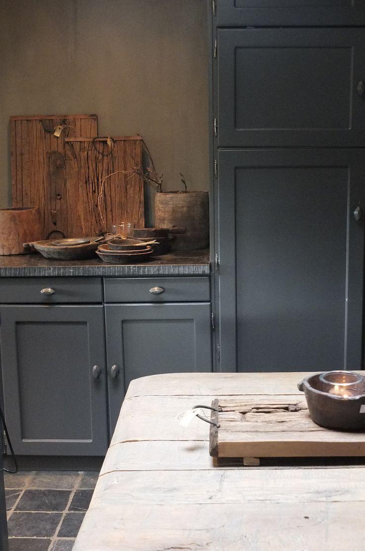 Weiche Tiefe Landblaue Kuche Mit Wunderschoner Speckstein Arbeitsplatte Artikel Kuchenplanung Landhauskuche Kuchen Styling