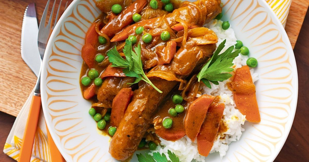 how to make curried sausages easy