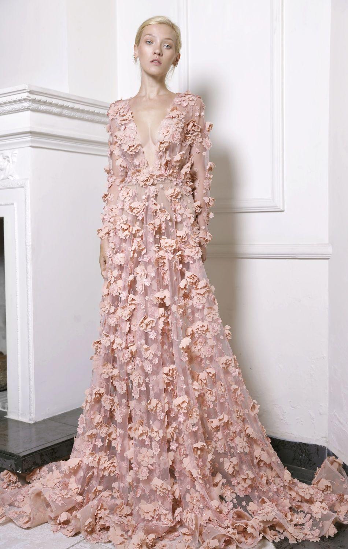 Vestido de fiesta, diseñado con escote pronunciado en | Ropa ...