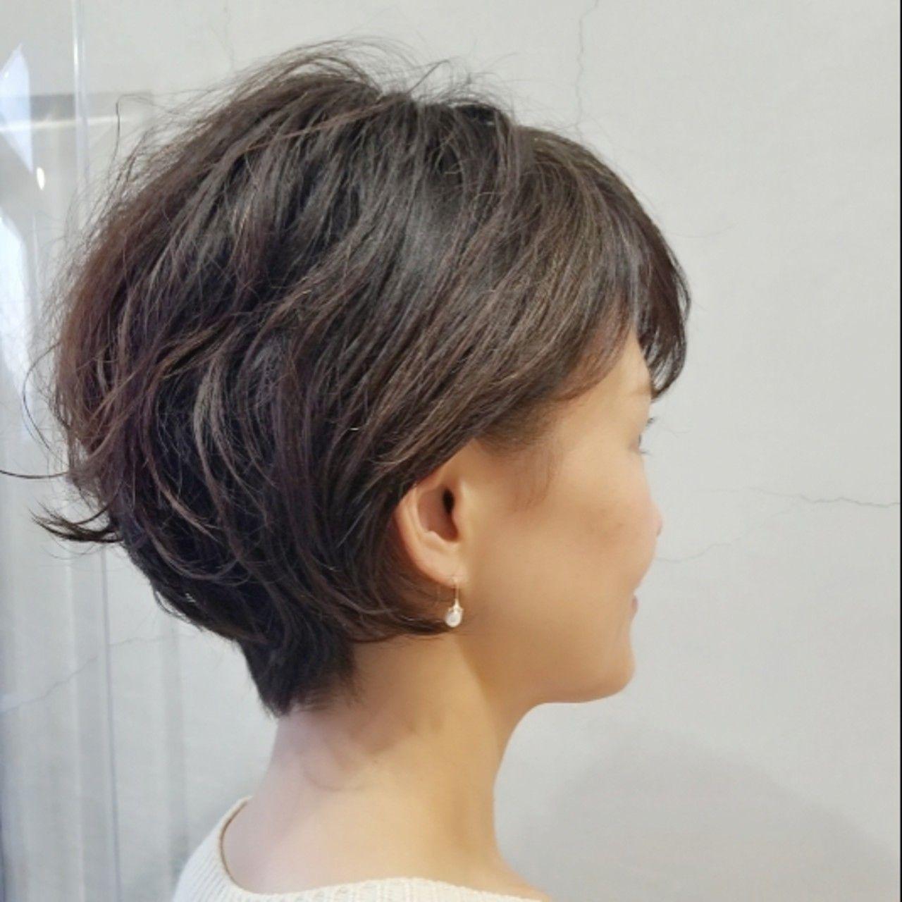 小顔補正立体カットでくせ毛を活かしたエレガント系のショートボブ