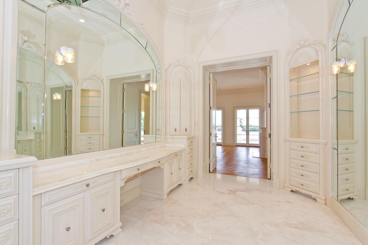 Palm Beach Residence « Marmol   Mystery White Marble bathroom   Our ...