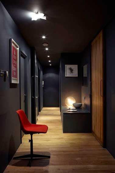 12 id es d co pour styliser un couloir long troit ou - Deco couloir sombre ...