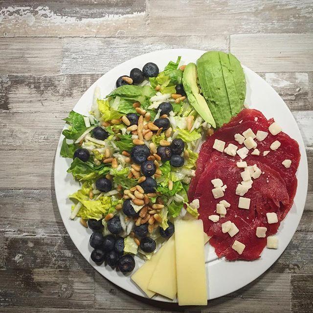 Når mor tænker på mig og laver sund mad ❤️ Det er ikke fordi jeg forlanger sund og fancy mad når jeg kommer på besøg  men at der bare er grønsager og noget kød der ikk er stegt i 100 g smør, er fint for mig  så når der bliver disket det her på bordet ❤️ #love #fit #fitgirl #fitpige #fitfamdk #muscle #træning #workout #styrketræning #fitnessmotivation #strong #elskerlivet #levsundt