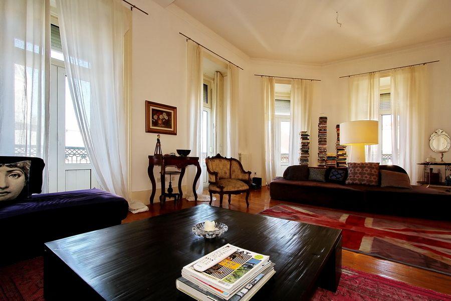 sala de estar magnificente apartamento com larga vista