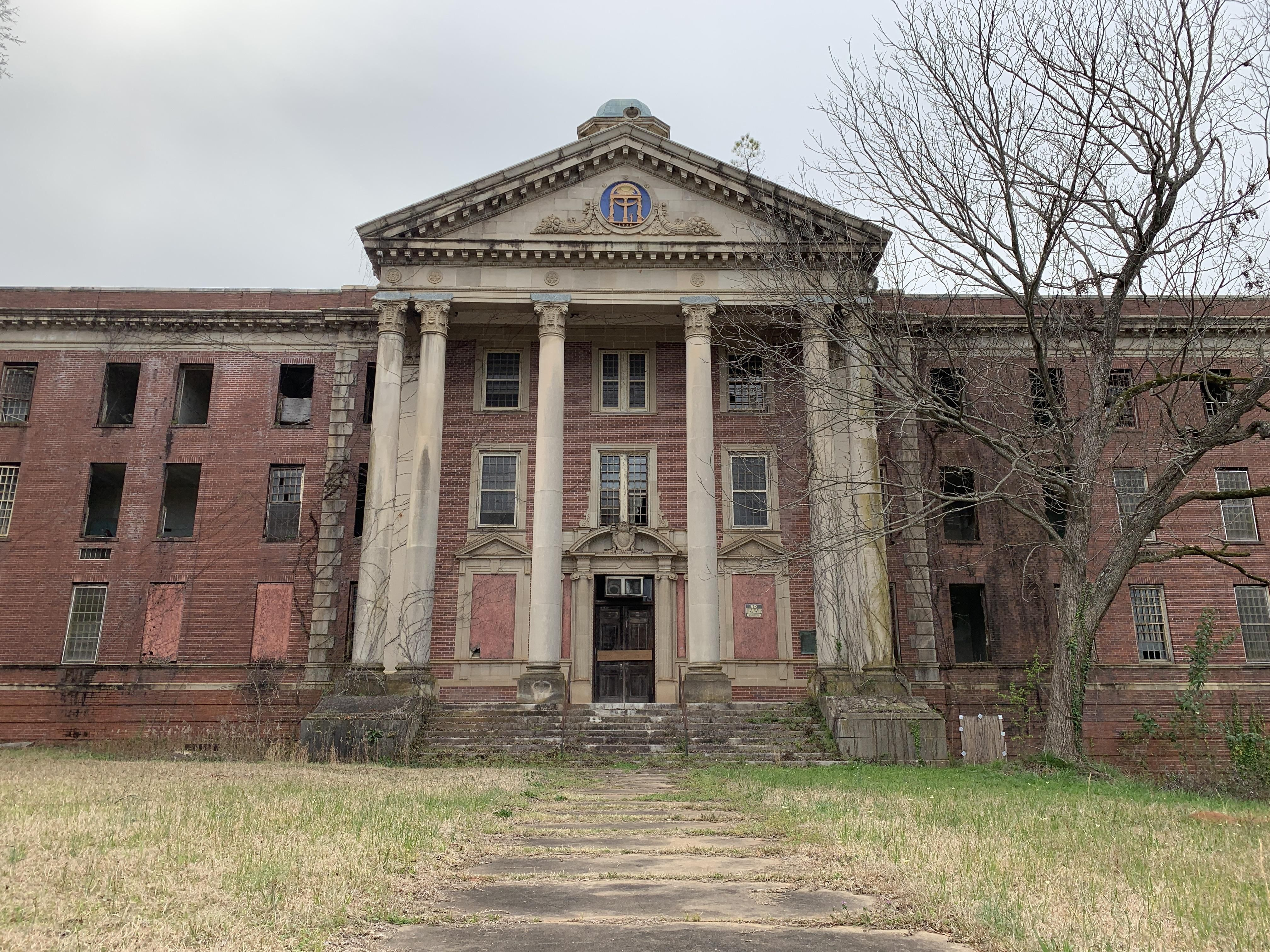 Central State Hospital Milledgeville Ga Abandoned Photography Urban Exploration Urban Explorer T Old Abandoned Houses Creepy Old Houses Abandoned Places
