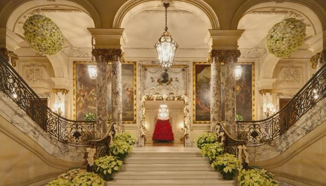 Inside The Newport Mansions Gifts Amp Collections At The