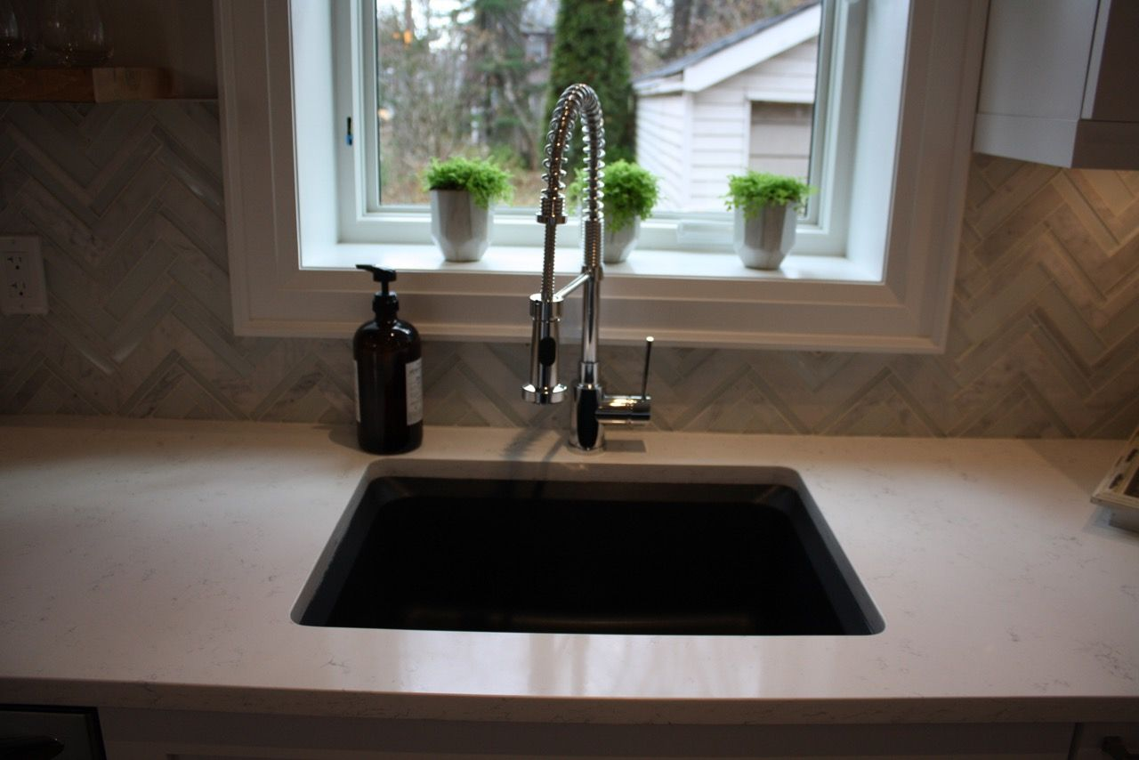 Sink: BLANCO VISION™ in Anthracite, Faucet: BLANCO DIVA™ in Chrome ...