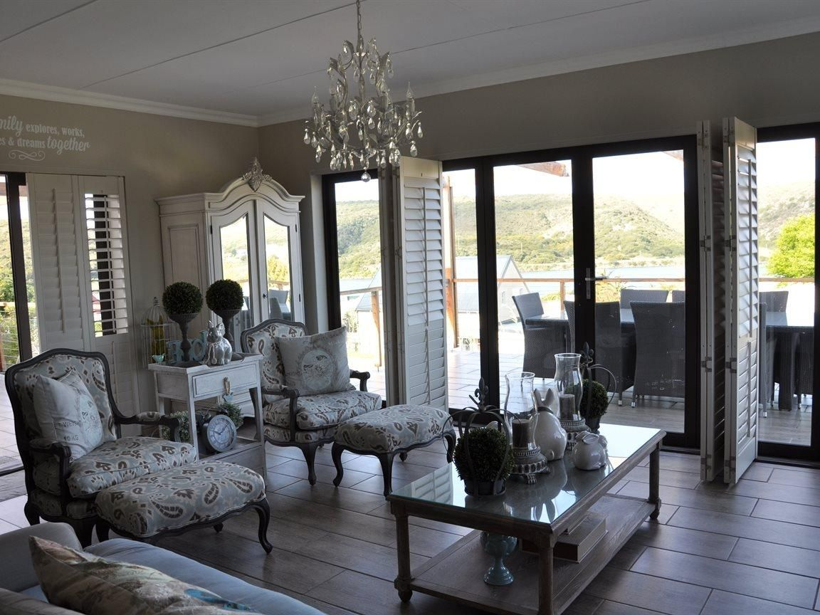 4 00 Bedroom S 3 00 Bathroom S Property For Sale In Stilbaai