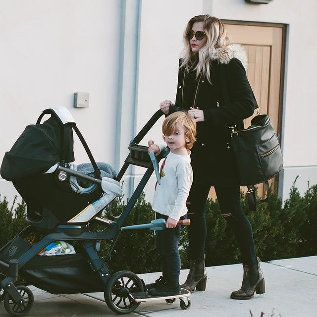 Mama Time On The Blog And Talking About My New Fabulous Diaper Bag From Fawn Design I Can T Seem To Set It Down Caraloren Diaperbag Fawndesign
