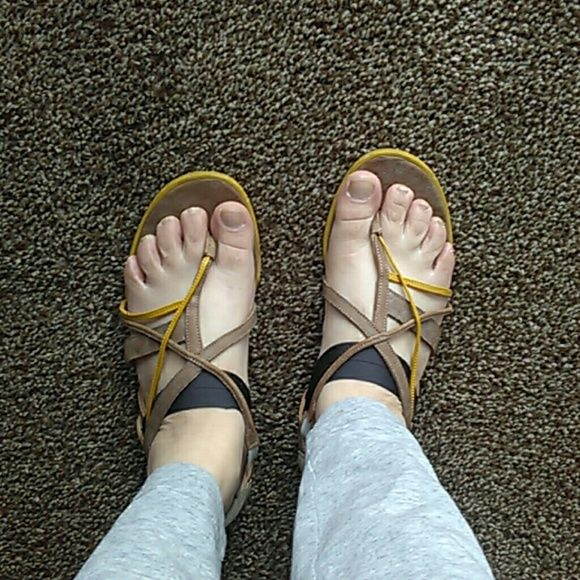 by LD tuttle sandals Cool flats sandals , incredibly comfortable, neutral colors. Really adorable. Gently used ld tuttle Shoes Sandals