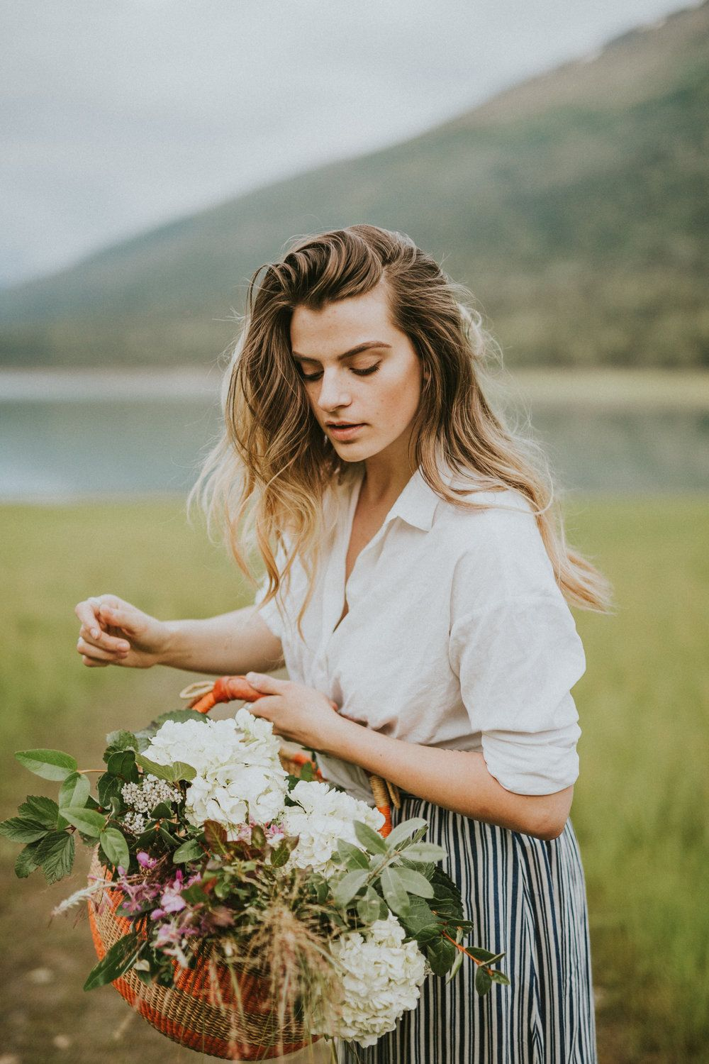 When peak summer hits in Alaska, the beauty of all things flora is beyond  incredible!  Beautiful Bex and I styled a simple foraging shoot along the Eklutha Lake.  We picked fireweed, berry branches and colorful flowers.  I must have flowers, always and always.