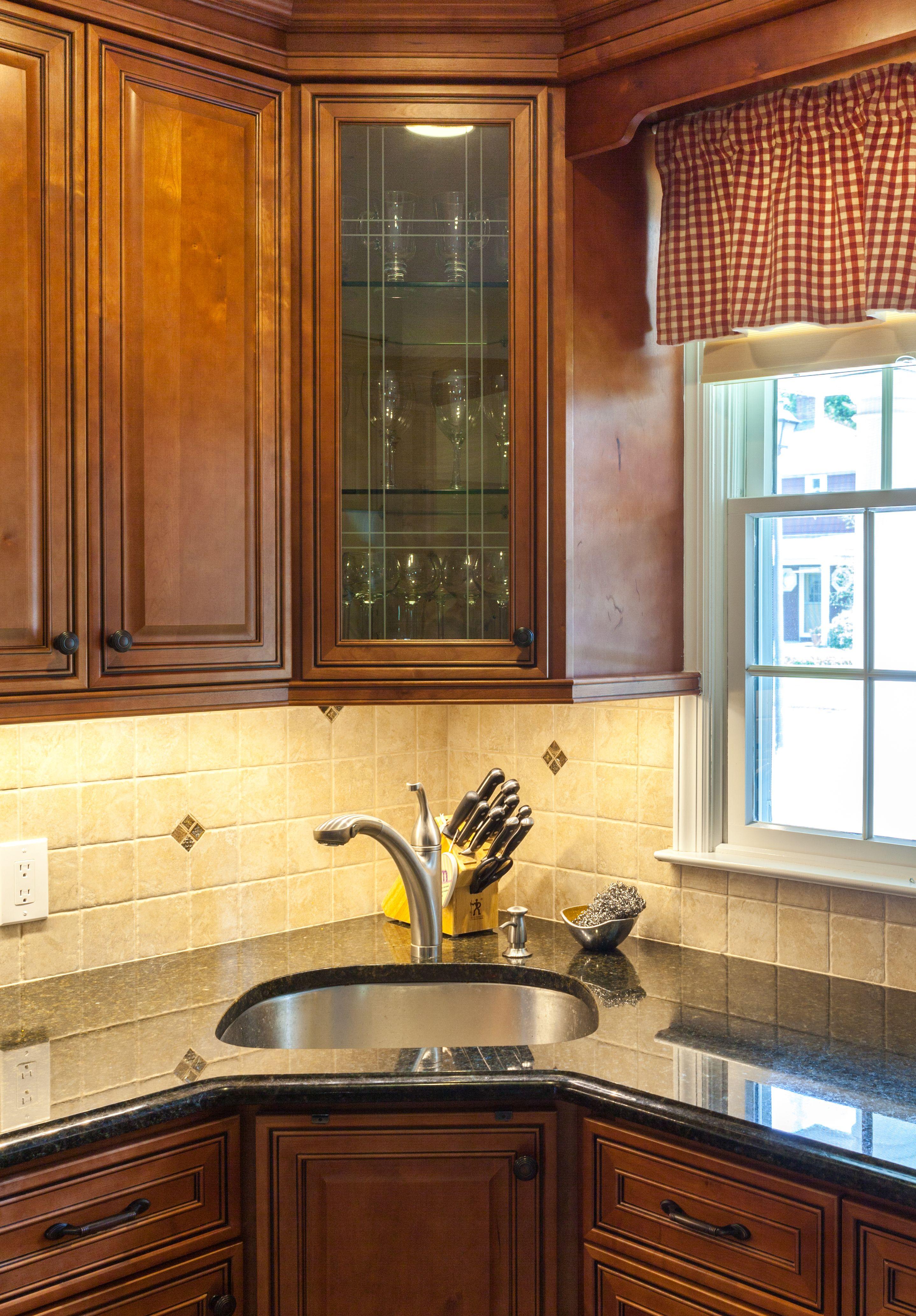 Best J K Mocha Glazed Traditional Maple Wood Cabinets Style 640 x 480