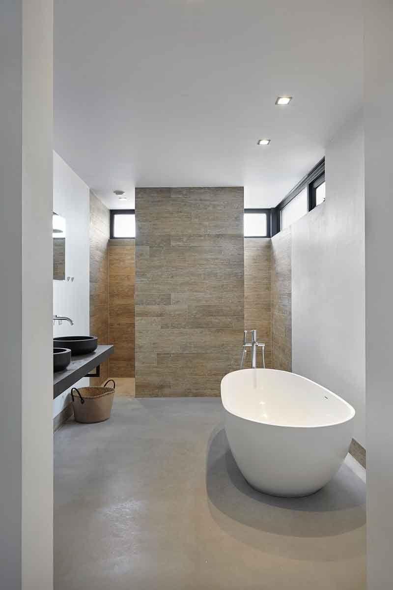 Badkamer, vrijstaand bad, glasstrook melkglas, Landelijk, modern ...