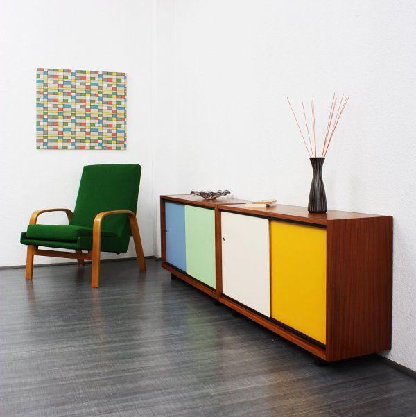sideboards regale kleines 60er jahre sideboard nussbaum zweifarbige schiebet ren nr 4964. Black Bedroom Furniture Sets. Home Design Ideas