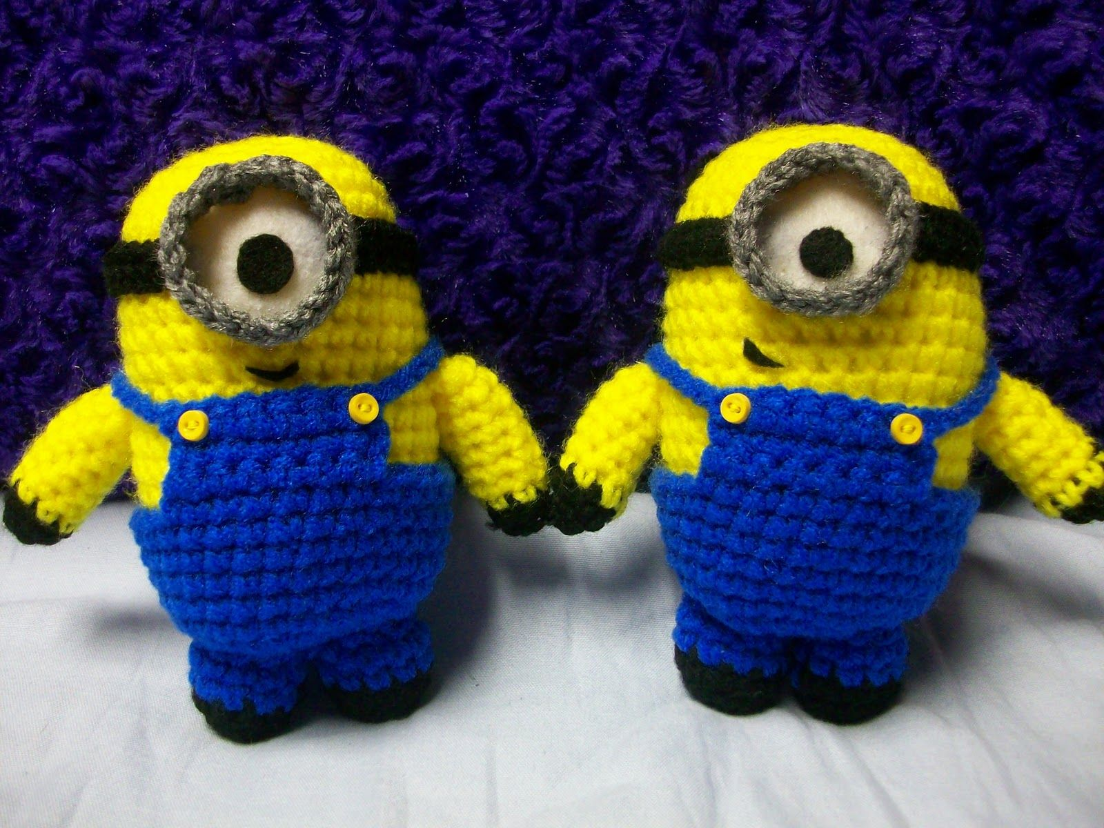 1500 free amigurumi patterns free despicable me minion for Minion overall template