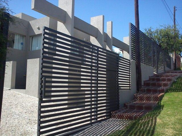 Frente reja moderna buscar con google rejas pinterest gates pergolas and gate ideas - Rejas de casas modernas ...