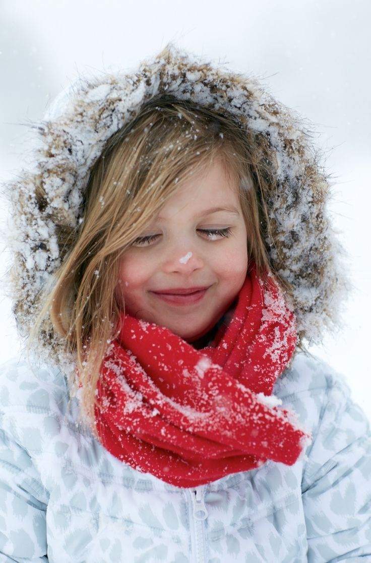 """19. """"SNOWFLAKES THAT STAY ON MY NOSE AND EYELASHES ..."""