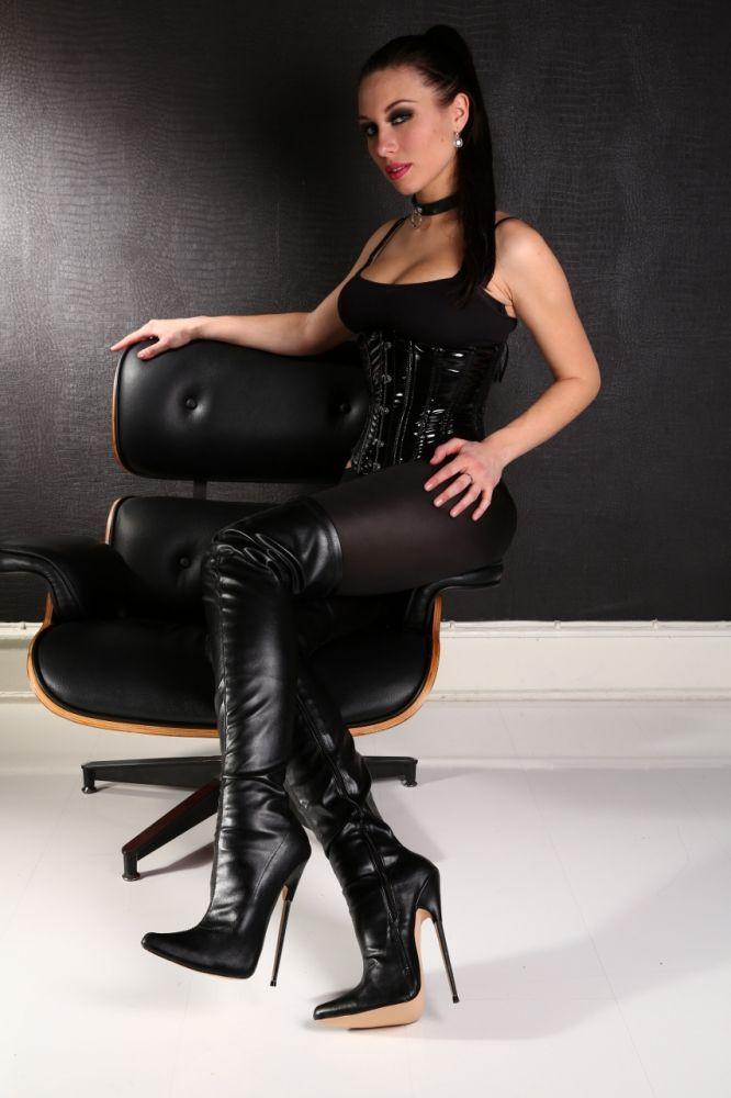 Keisha grey anal in boots