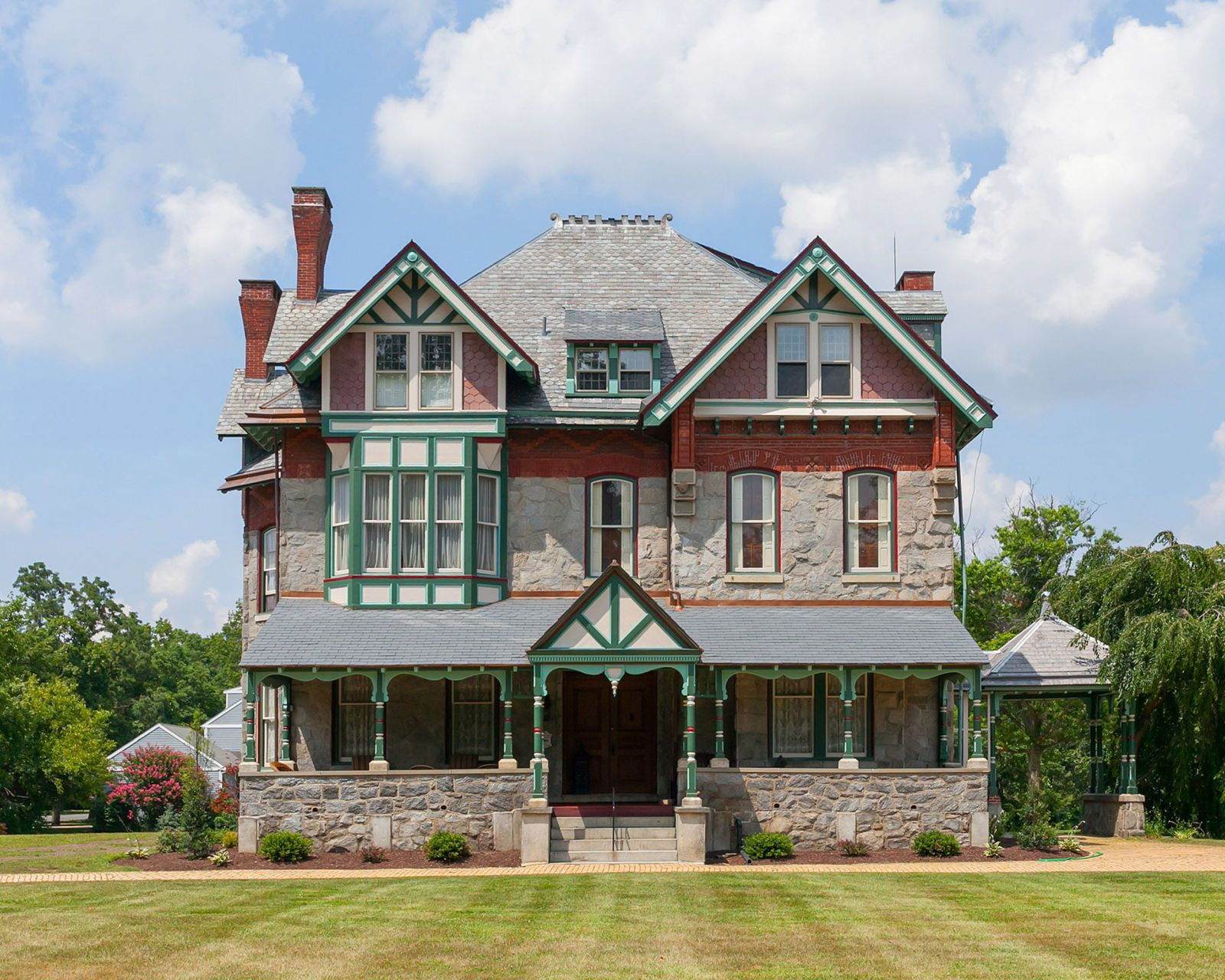 Victorian homes for sale in mississippi - More Is More When It Comes To Victorian Homes And The Wenonah New Jersey