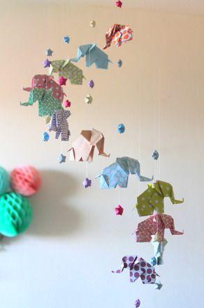 mobile pour b b en origami el phants couleurs pastel et. Black Bedroom Furniture Sets. Home Design Ideas